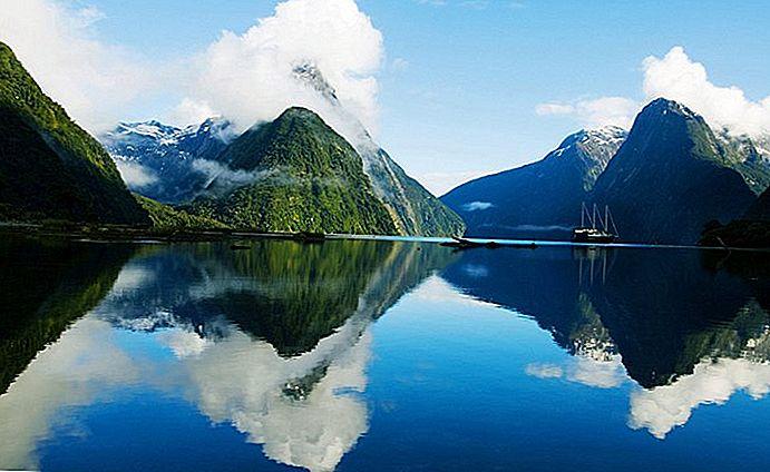 Taman Nasional Fiordland, Selandia Baru