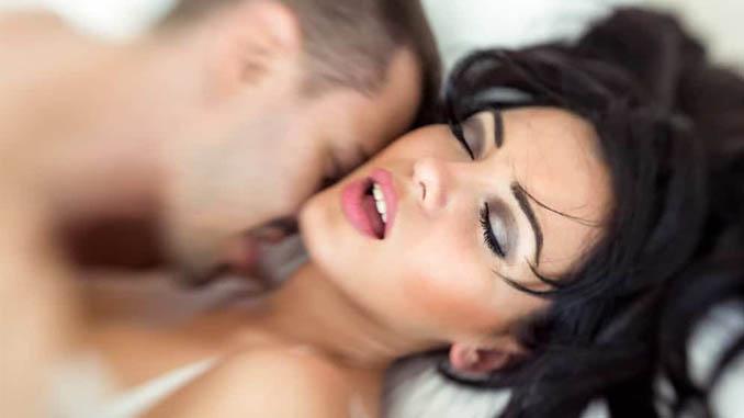 Cara Atur Pernapasan Untuk Hubungan Seks