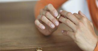 Suami Ceraikan Istri