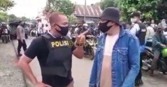 Pria Ngompol Saat Ditegur dan Diancam Oleh Polisi