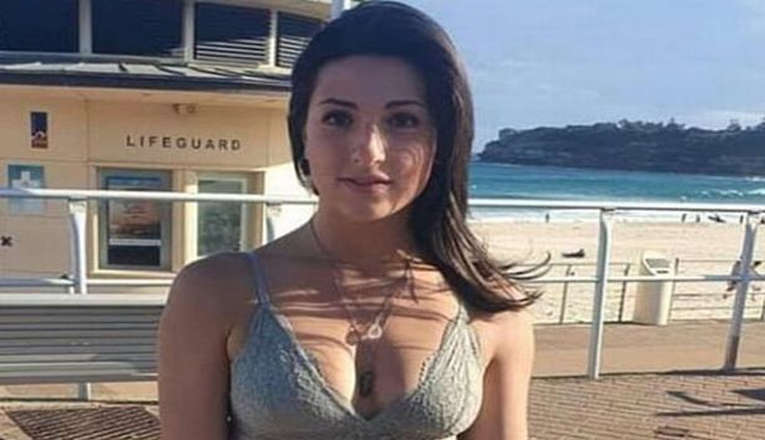 Pakaian Seksi Membuat Wanita Ini Diusir Restoran Yang Ada Di Australia